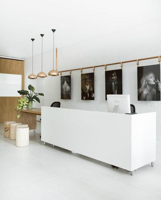 Piezas clave mobiliario recepci n de hotel tuo agency for Mobiliario de oficina recepcion