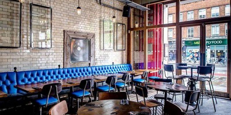 Restaurante con decoracion estilo grunge